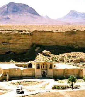 بناهای تاریخی آباده