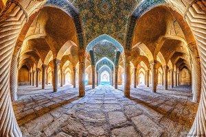 جایخالی معماری ایرانی حس میشود